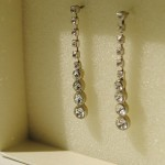Ian Rosenberg Jeweller - Classic diamond drop earrings set in white gold (Copy)