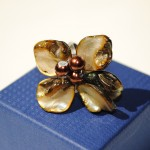 Ian Rosenberg Jeweller - Flower ring with chocolate Tahitian pearls and mother of pearl shells